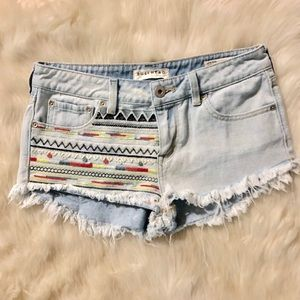 Bullhead Low-Rise Fringe printed mini shorts 7 EUC